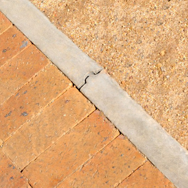 C.E.L. Paving Products E1 kerb as a edge demarcation