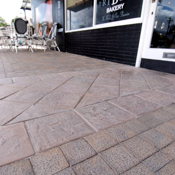 C.E.L. Paving Products in commercial walkways using Lava Blocks and Granito Cobbles
