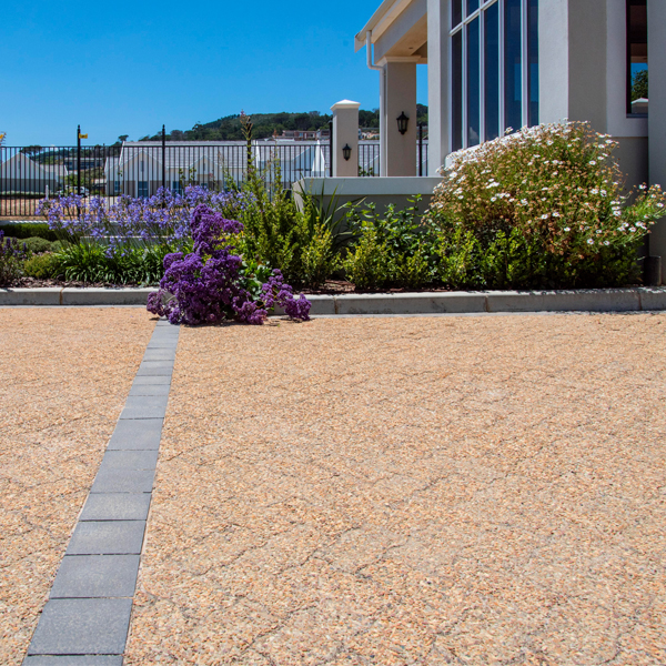C.E.L. Paving Products commercial application of Coarse Exposed Aggregate pavers in an estate driveway