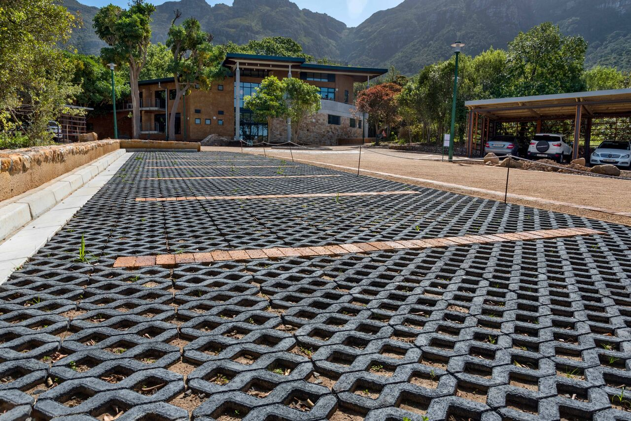 Kirstenbosch gardens gets water wise paving